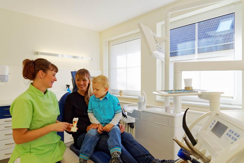 Behandlungsraum Zahnarztpraxis Dr. Kleyer